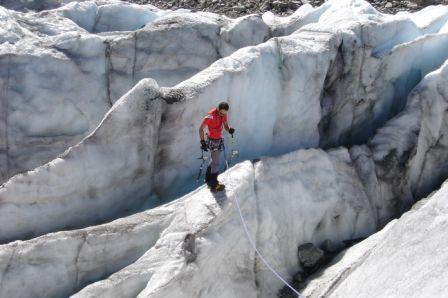 O Sérgio a aventurar-se no glaciar