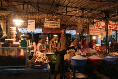 No mercado em Hanoi