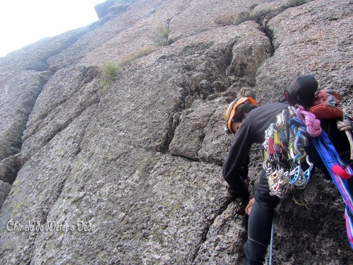 Algumas rochas instáveis mesmo por cima